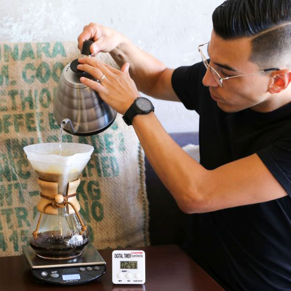 Chemex Classic 6 Cup in use on scale